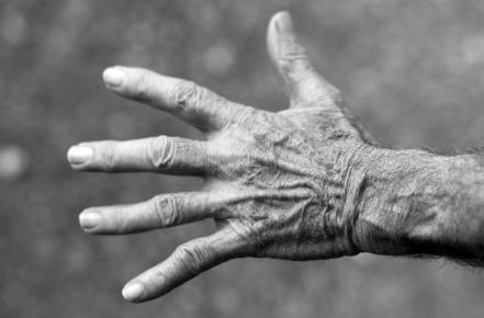 hand-elderly-woman-wrinkles-black-and-white-54321
